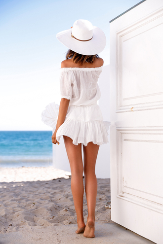 viva luxury blogger dress hat jewels