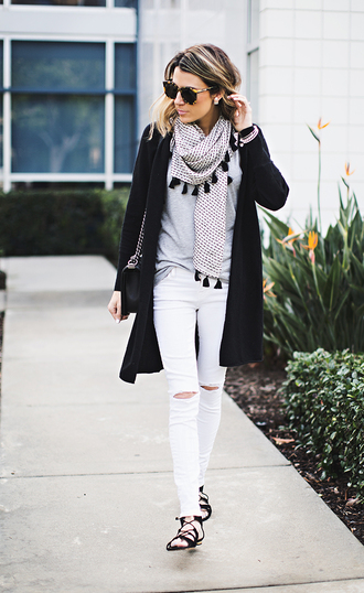 hello fashion blogger cardigan printed scarf ripped jeans white jeans tassel scarf shoes sunglasses bag jewels black white white ripped jeans jeans ripped skinny\