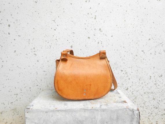 Vintage Vegetable Tan Leather Shoulder Bag / by VindicoShop