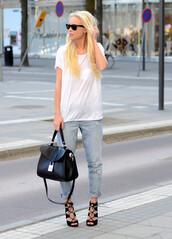 victoria tornegren,jeans,t-shirt,shoes,boyfriend jeans,bag