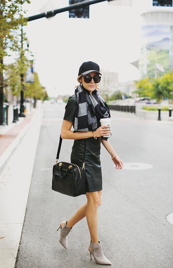 hello fashion blogger scarf sunglasses jacket bag jewels