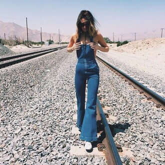 jeans overalls denim overalls bell bottoms bell bottom overalls boho overalls boho streetstyle hipster these overalls denim these heans rollas divergence clothing bohem gypsy light wash denim boutiques boutique