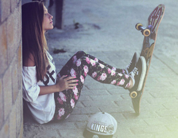 pants cute beautiful skateboard girl summer shirt vans shoes hat leggings floral pants floral skinny jeans floral t-shirt