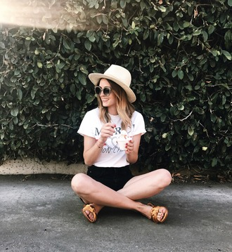 t-shirt shorts denim shorts blogger blogger style high waisted shorts graphic tee sunglasses slide shoes