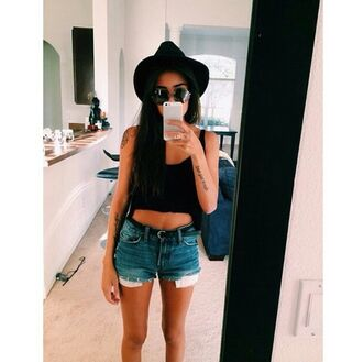 shorts short shorts black crop top sunglasses hat fedora tumblr outfit tumblr girl casual style trend trendy alternative on point on point clothing