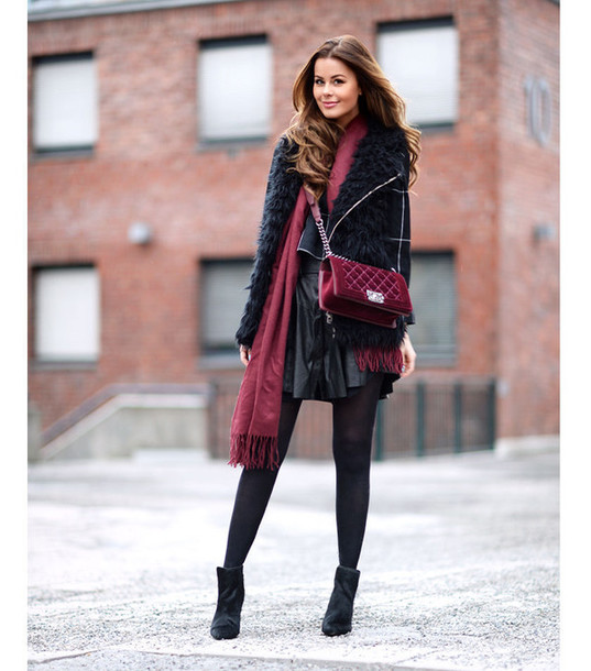 stylista blogger jacket sweater skirt bag shoes scarf