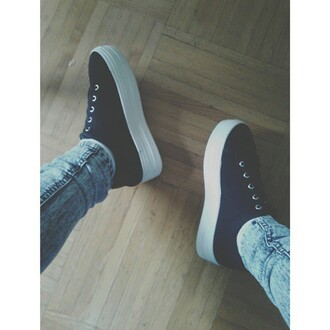 shoes black and white plateform white sneakers girly