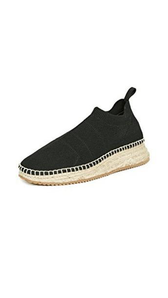 knit black shoes