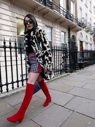 shoes tumblr red boots boots mid heel boots over the knee boots skirt mini skirt printed skirt top black top turtleneck black turtleneck top coat fur coat animal print leopard print sunglasses fur leopard print winter coat round sunglasses houndstooth
