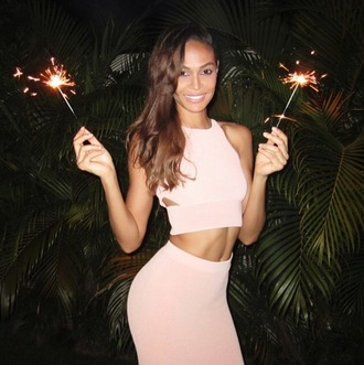 skirt crop tops nude pencil skirt joan smalls top new year's eve