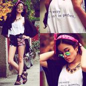 shorts,bandana,floral,sunglasses,round sunglasses,summer,floral shoes,High waisted shorts,long hair,t-shirt