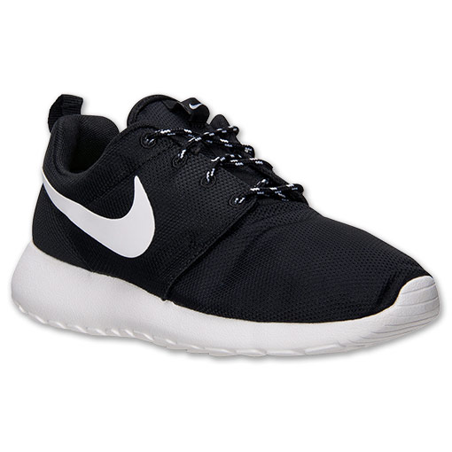 women nike roshe black white