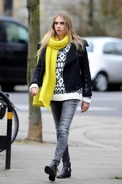 shoes,cara delevingne,scarf,sweater