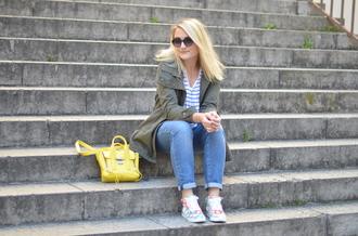 paris grenoble blogger coat t-shirt jeans shoes