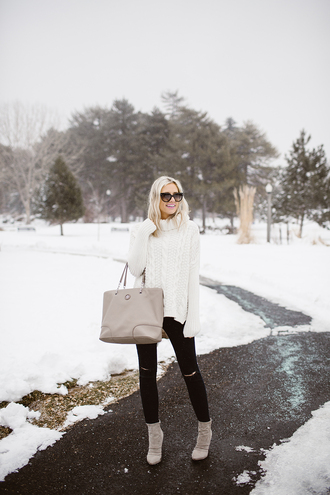 little miss fearless blogger sweater jeans shoes bag sunglasses make-up turtleneck sweater tote bag black jeans ankle boots winter outfits