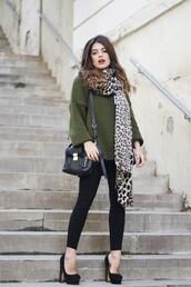dulceida,blogger,oversized sweater,olive green,leopard print,leopard print scarf,satchel bag,pumps,sweater,scarf,pants,shoes,bag,sunglasses