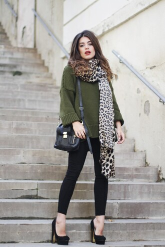 dulceida blogger oversized sweater olive green leopard print leopard print scarf satchel bag pumps sweater scarf pants shoes bag sunglasses