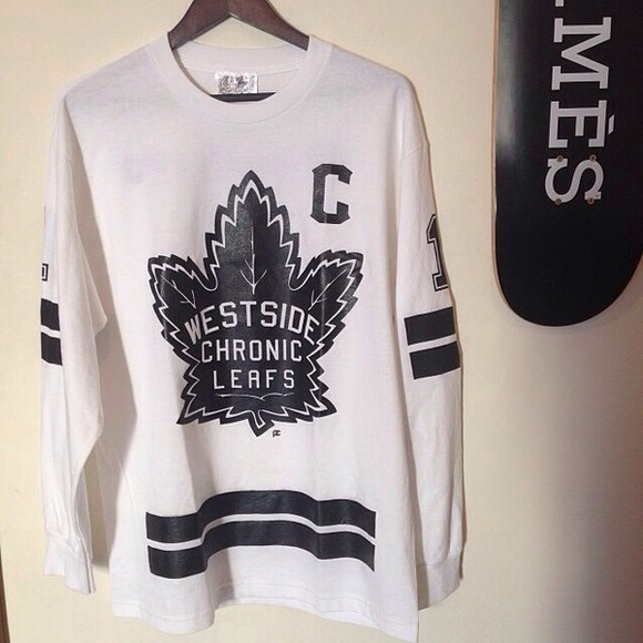 leaf shirt white crewneck black and white shirt long sleeve