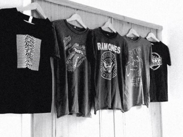 t-shirt black t-shirt ramones shirt grey