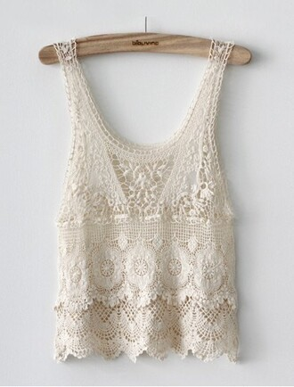 shirt lace top lace lace flowy top cream top tank top cream top love tumblr cute lace tank top white white tank top white lace scalloped shirt scalloped lace lace scalloped sweet girly trendy chic white crop tops pale blouse ivory crochet top white crochet top hot beautiful summer beach woven top kant