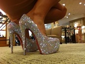 shoes,louboutin,brillant,paillettes,shiny,shine shoes,red,newcrystalwave,newcrystalwavehighheels,newcrystalwavetights,newcrystalwaveshoes,newcrystalwavebling,silver shoes,high heels,pumps sparkly heels,pumps,sparkle,heels,white,fashion,prom shoes,louis vuitton heels,cute high heels