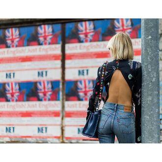 top tumblr blue top printed t-shirt denim jeans blue jeans bag blue bag open back backless top backless open back top backless tank sexy sexy top