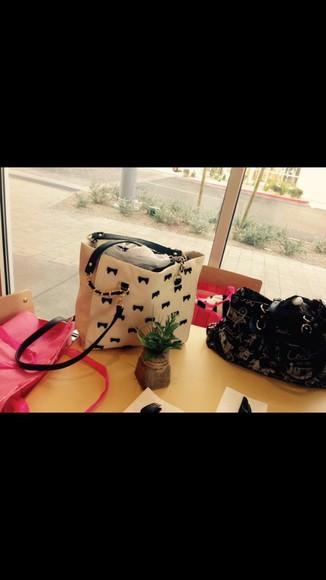 bag white bag black bows