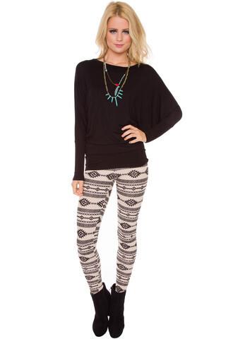 leggings white black winter outfits