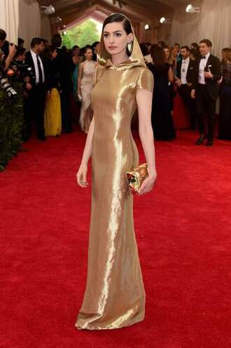 dress metgala2015 anne hathaway gold star wars sexy fashion