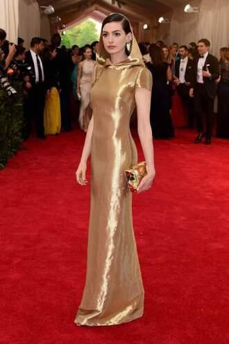 dress metgala2015 anne hathaway gold star wars sexy fashion