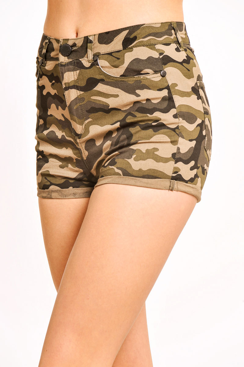 Lesley Camouflage Hot Pants