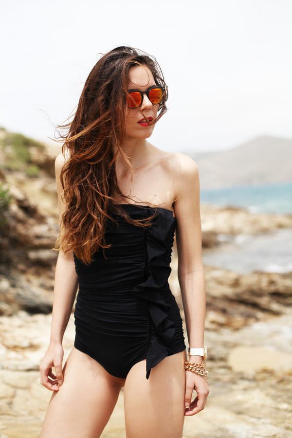 irene closet swimwear sunglasses jewels
