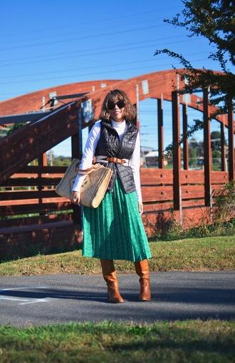 mysmallwardrobe blogger jacket skirt belt bag sunglasses shoes boots vest fall outfits pleated skirt