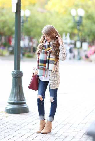 southern curls and pearls blogger scarf cardigan t-shirt bag jeans shoes jewels make-up