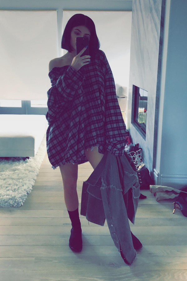shoes sneakers shirt oversized shirt kylie jenner snapchat