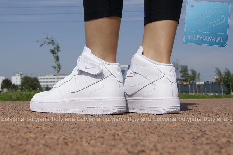 Air Force 1 Mid With Shorts