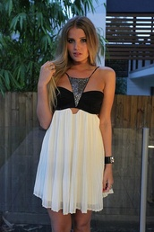 dress,sequins,flowy,prom dress