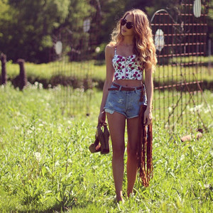 shirt crop top floral floral shirt floral top top summer bustier flowers short denim fashion vintage high waisted short shorts
