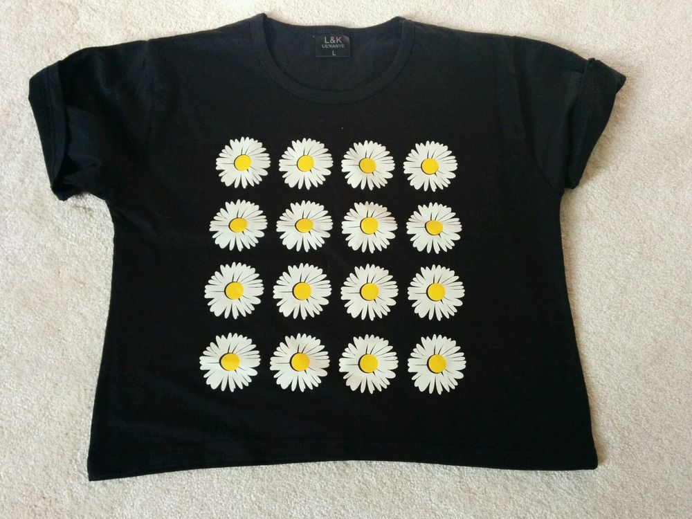 BNWT vintage black daisy over-sized crop top topshop urban outfitters 6-14 | eBay