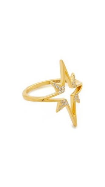 Elizabeth and James ring gold jewels