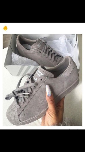 shoes, find these, suede sneakers, low top sneakers, grey sneakers, adidas, shorts, grey, adidas superstars, velour, suede, sneakers - Wheretoget