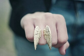 jewels wings light gold ring