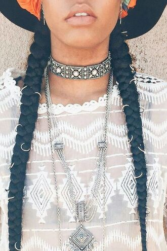 hair accessory hair rings braid hairstyles necklace choker necklace white top lace top jewels silver silver necklace silver choker metal choker boho boho jewelry jewelry layered