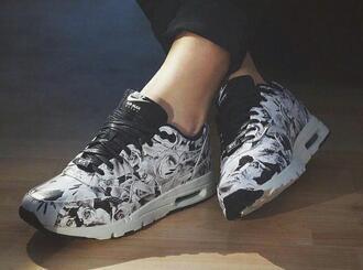 shoes roses black nike white hipster urban casual tumblr grunge pastel city