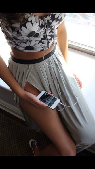 skirt shirt tank top short black flowers zip crop tops long flowly grey double split skirt double slit skirt maxi skirt grey skirt slit skirt floral floral top black and white black top white top summer outfits date outfit blouse