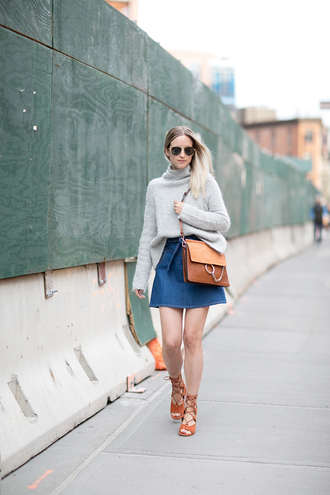 the fashion guitar blogger jewels skirt sweater bag shoes sunglasses