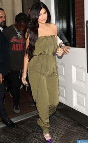 jumpsuit,pants,khaki,khaki pants,pumps,kylie jenner,kardashians,strapless
