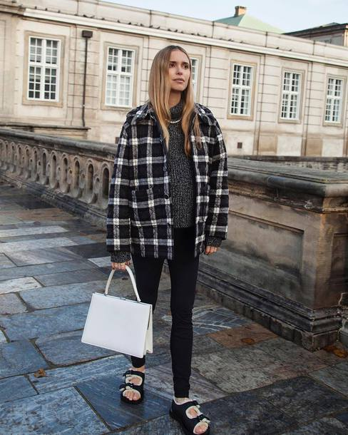 sweater black and white pernille teisbaek blogger instagram fall outfits shirt
