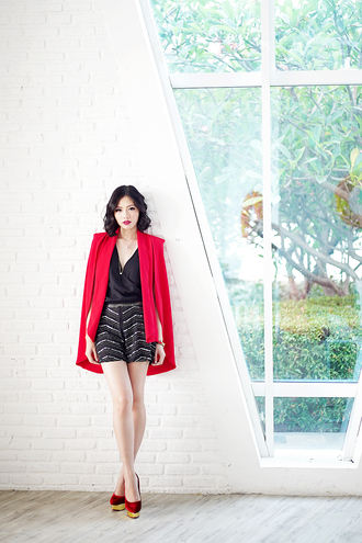 olivia lazuardy blogger cape red shorts embellished red heels charlotte olympia romper jacket shoes