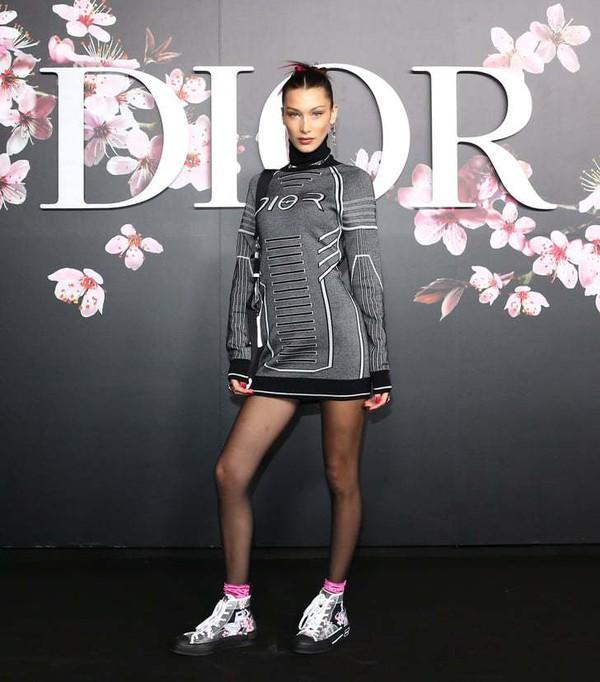 shoes floral sneakers bella hadid model sweatshirt